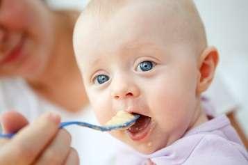 Annelerin bebek beslenmesinde en sık yaptıkları üç hata
